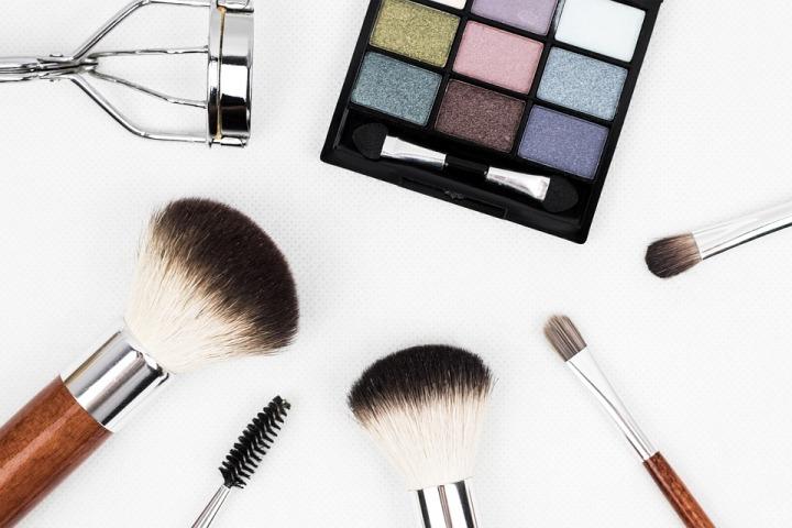 makeup-brush-1761648_960_720