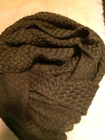 Groene sjaal, Kruitvat: €5,00